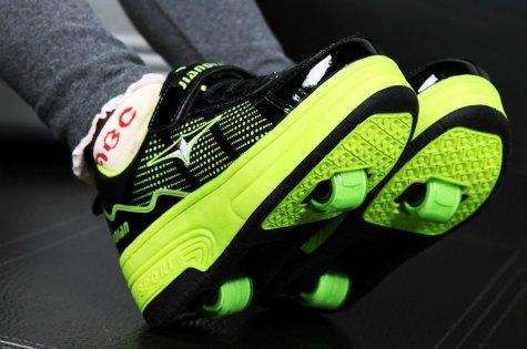 Kid-Heelys-Sneakers1.jpg