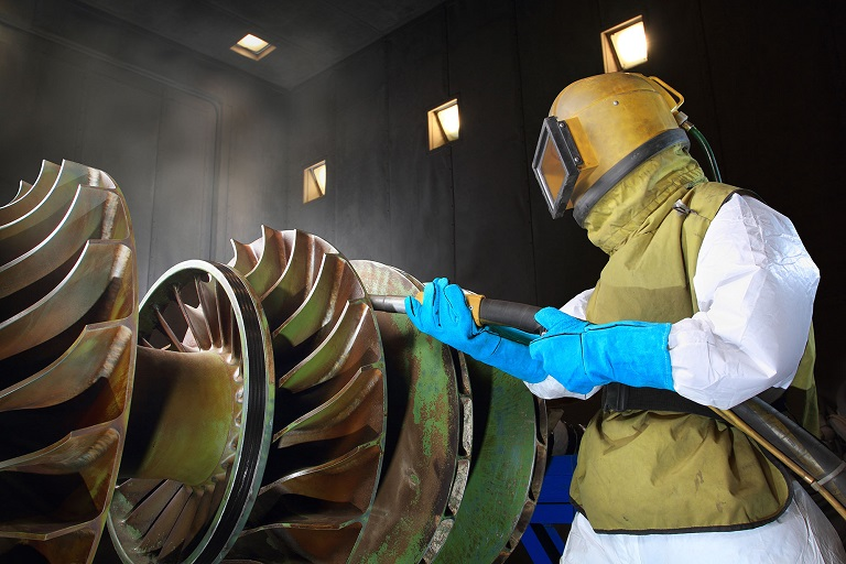 worker-sandblasting