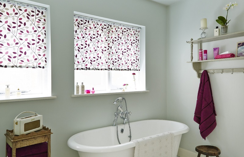waterproof-roller-blinds-bathroom.jpg
