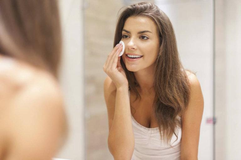using toner skin care