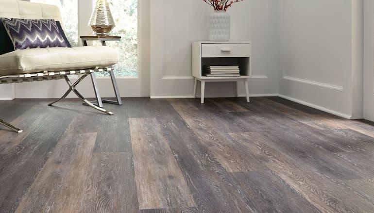 Vinyl-Plank-Flooring.jpg