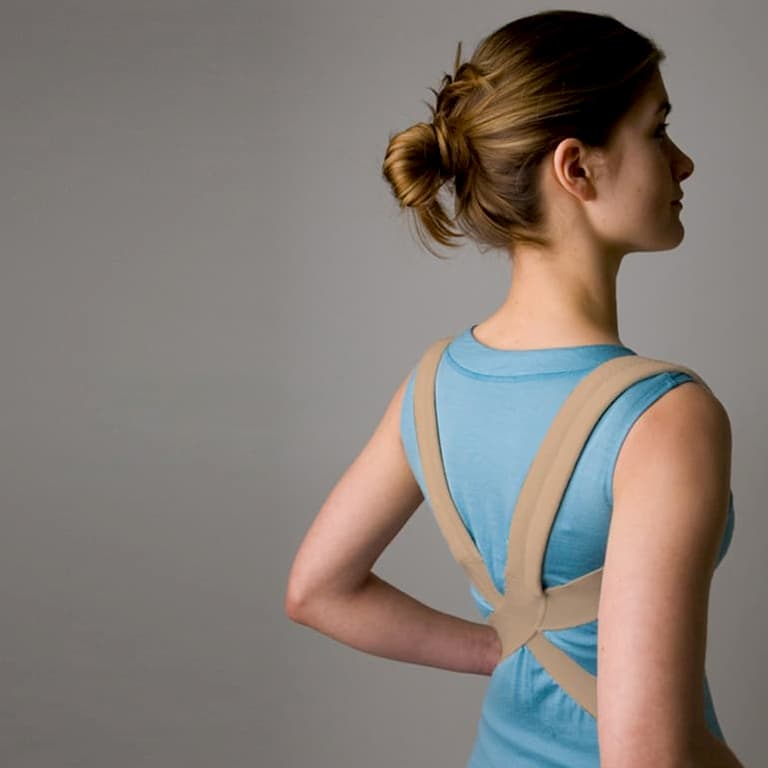 girl with a shoulder brace (1)