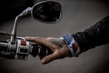 motorcycle-controls-and-rearview-mirrors-1-1.jpg
