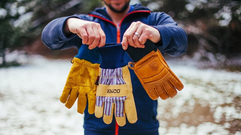 Different types of snow gloves