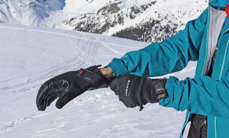 Fit of a snowboard glove